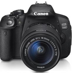Canon EOS 700D Body + EF 18-55 IS STM - cashback 215 zł